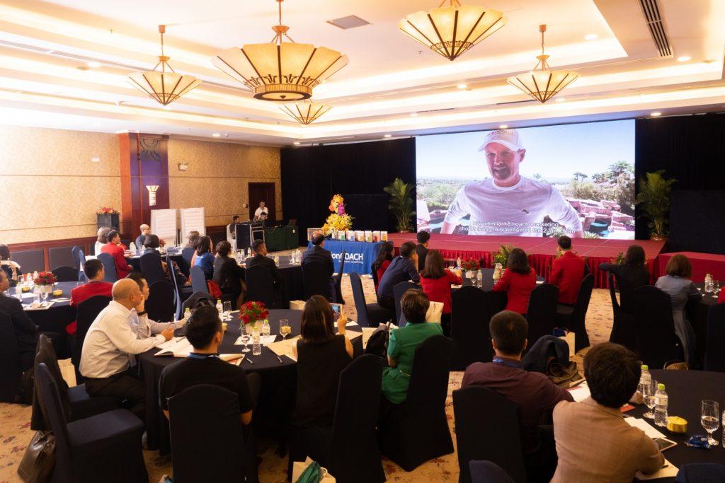 Nhà sáng lập Brad Sugars phát biểu từ xa trong ngày kỷ niệm 5 năm ActionCOACH có mặt tại Việt Nam 13/06/2020